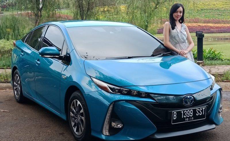 Baterai Penuh Hanya Dalam 2 Jam, Toyota Prius PHEV Bisa Melaju Hingga 70 Km