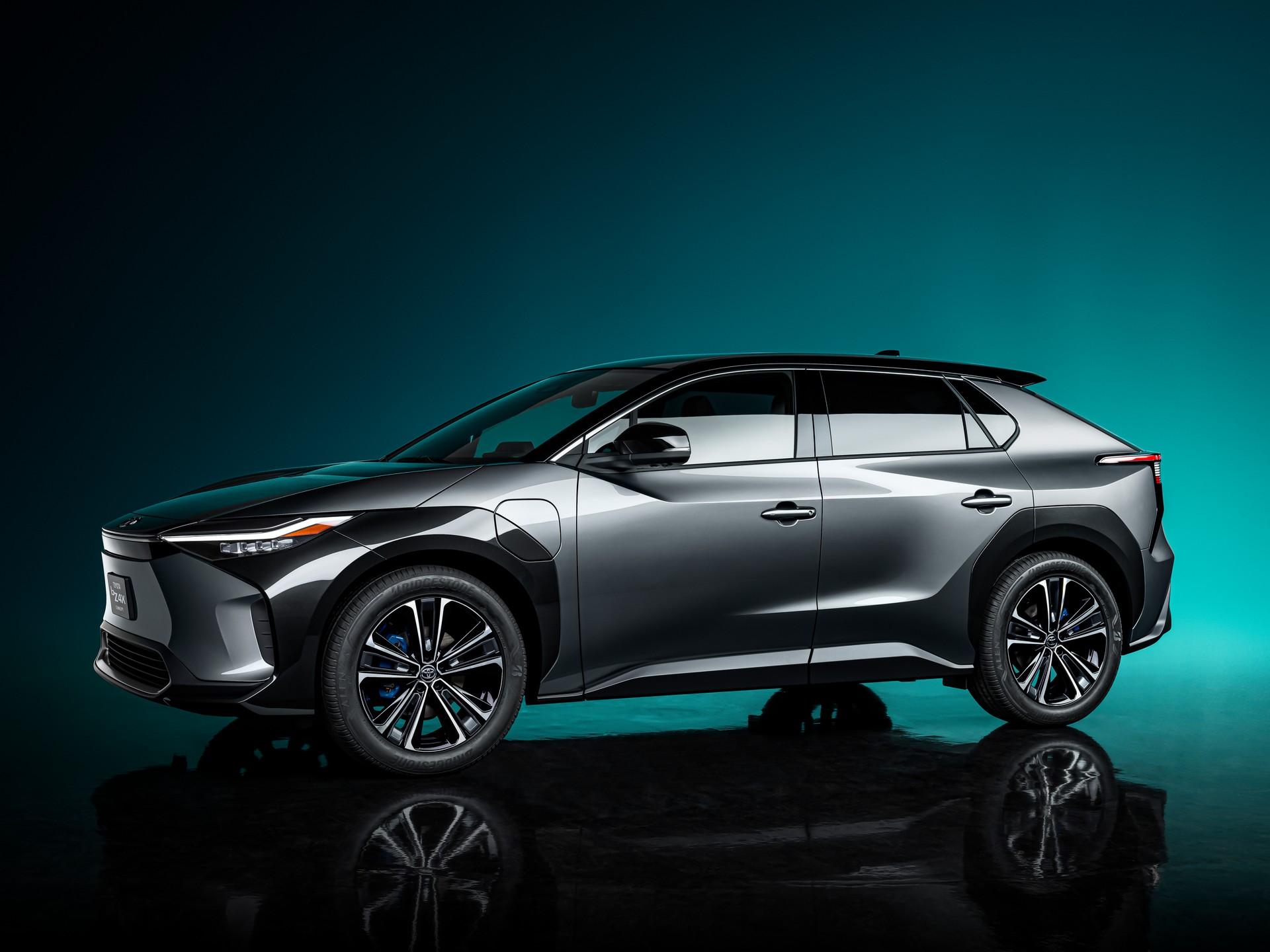 Toyota Luncurkan SUV Listik Pertama Bertajuk bZ4X!
